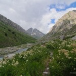 Hiking, trekking in Siamma valley along Siamma river