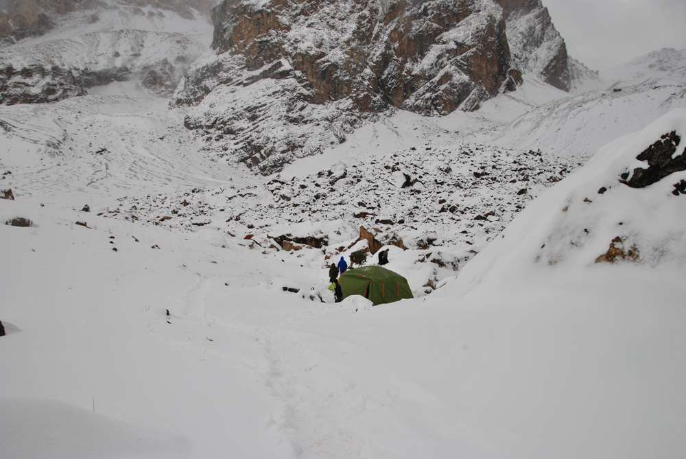 trekking in the bed weather in Fann mountains