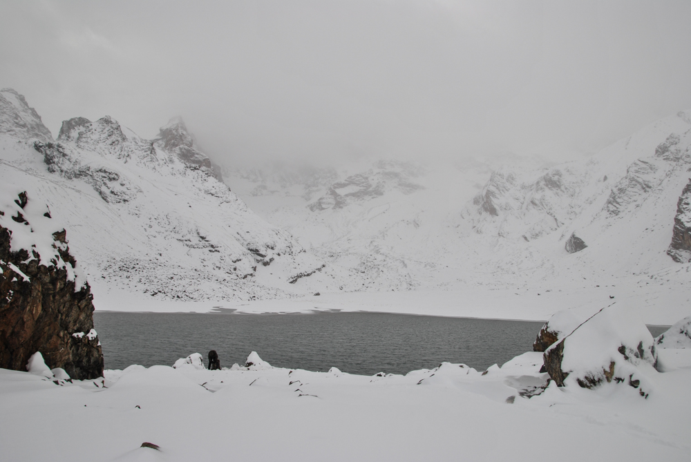 Trekking tour in Fann mountains, the photos of mutniy lakes on the snow